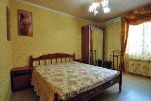 Снять дом в Ялте по ул.Боткинской