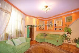 Снять однокомнатную квартиру в Ялте - прекрасный интерьер и сочетание цветов