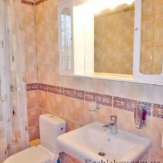 Дом в Ялте - чистый туалет
