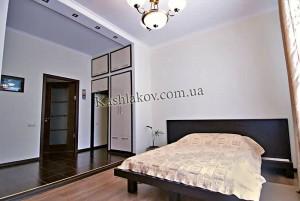 Снять 1 квартиру—ул.Екатерининская в Ялте