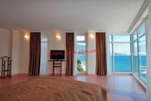 Гостиница в Ялте с видом на море