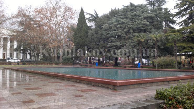 Погода в Крыму осенью - идет дождь