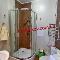 Ванная комната для отдыха в апартаментах в Ялте в центре