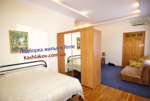 Квартира в Ялте, в центре и рядом с пляжем